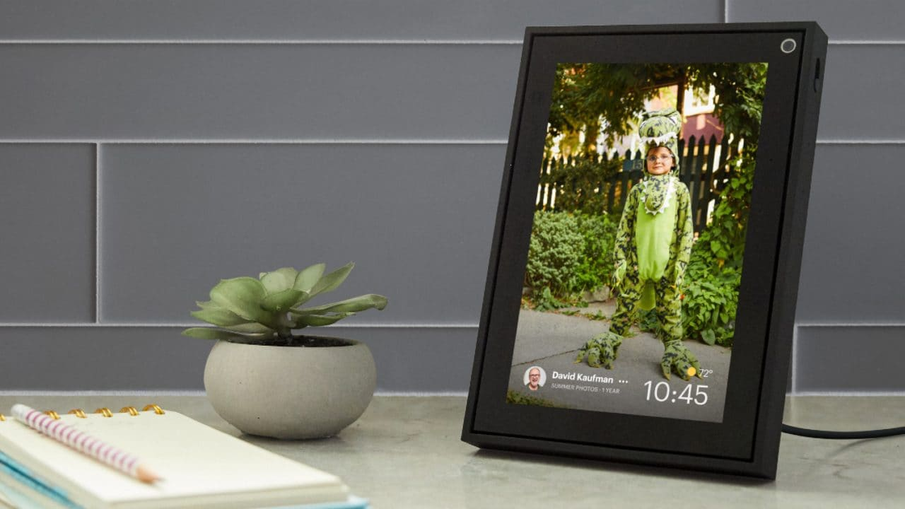 The Portal devices can also be used as a digital picture frame in the Superframe mode. Image: Facebook.