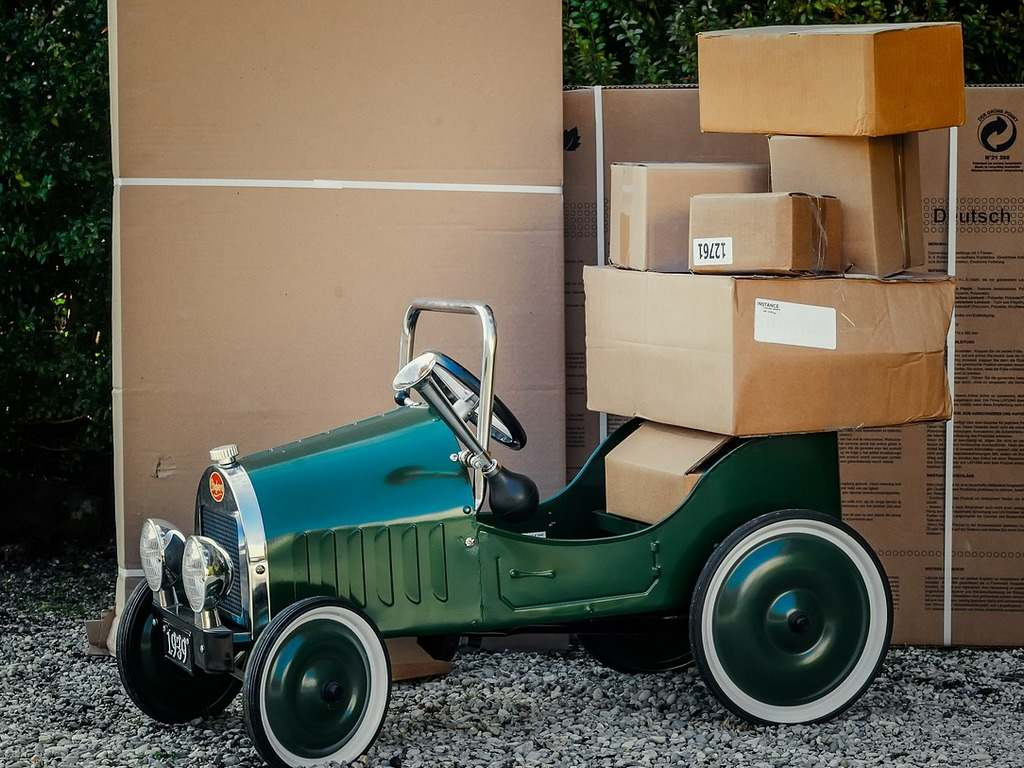 Amazon to hire its own drivers in Germany, aims to expand its delivery business