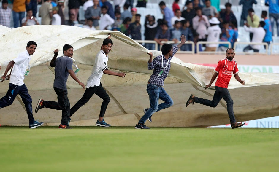 India continued to dominate Day 1 of the third Test before bad light stopped play. Hosts will resume innings at 224/3 on Day 2 but only if weather permits. AP