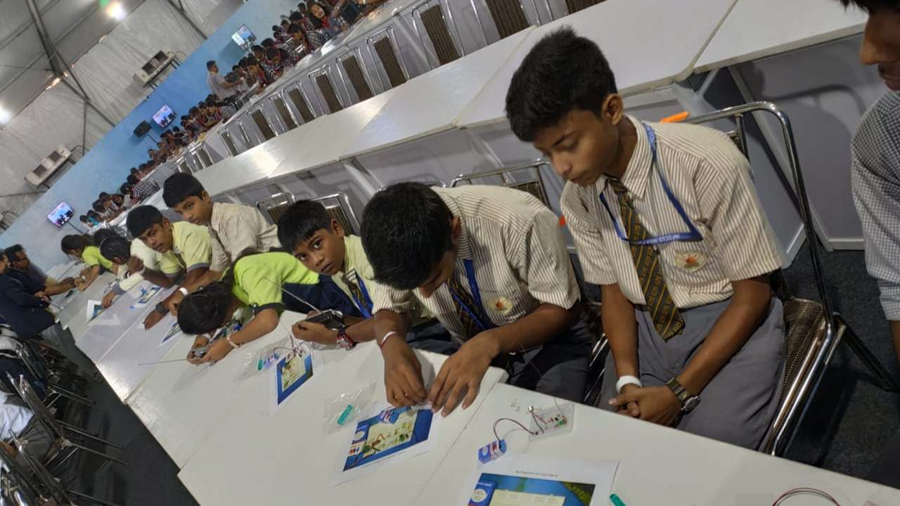 IISF 2019: Guinness World record was set for most number of students assembling radio kits
