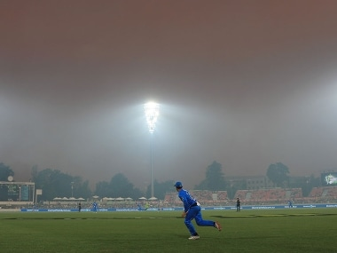 Big Bash League: Match called off due to dangerous and unreasonable playing conditions caused by bushfire smoke in Canberra