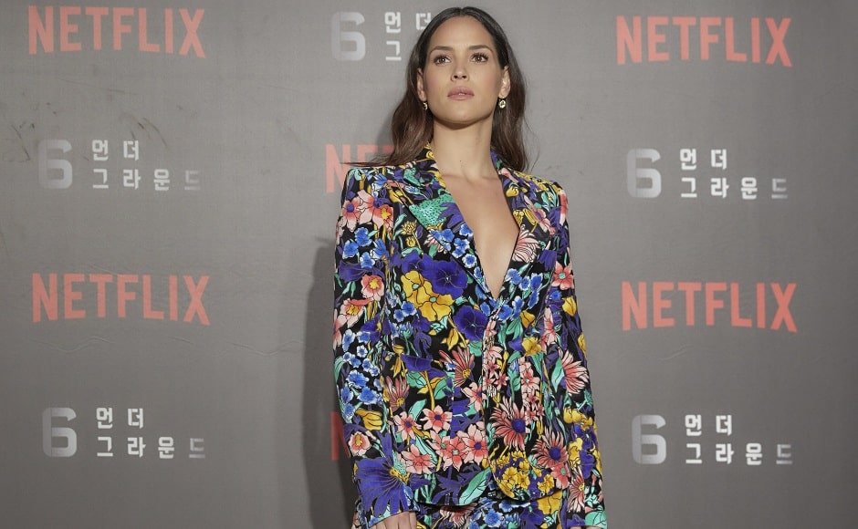 Adria Arjona dons a floral print Marc Jacobs Spring 2020 suit for the red carpet | Press Release