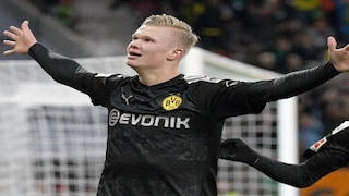 Bundesliga Erling Haaland S Hat Trick On Debut Helps Borussia Dortmund Beat Augsburg Leipzig Consolidate Lead With Win Sports News Firstpost