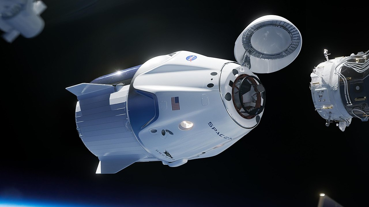 SpaceX wants to use the Crew Dragon to fly tourists into space. image credit: SpaceX/Wikipedia