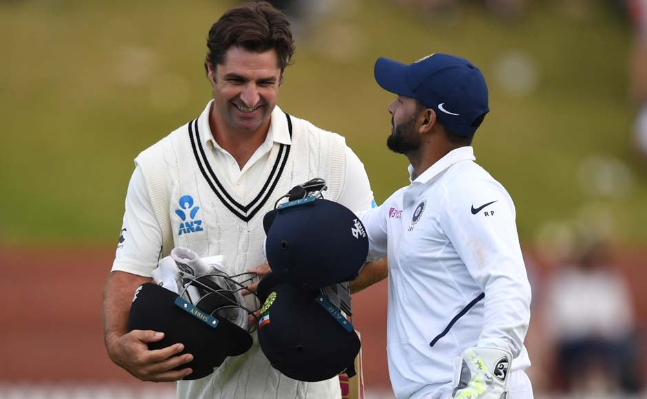 BJ Watling and Colin de Grandhomme ensured that the Kiwis did not lose any more wickets before the close of play, ending day two 216/5. AP