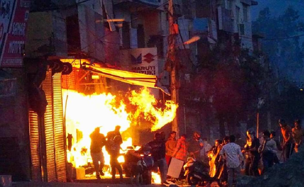 The arson and stone pelting continued over night, leading to a communal riot like situation on Tuesday. Several localities like Chand Bagh, Bhajanpura, Gokulpuri, Maujpur, Kardampuri and Jaffrabad saw pitched battles between the members of two groups who also hurled petrol bombs and opened fire. Frenzied groups thrashed people on the road and vandalised vehicles, set ablaze shops and homes. PTI