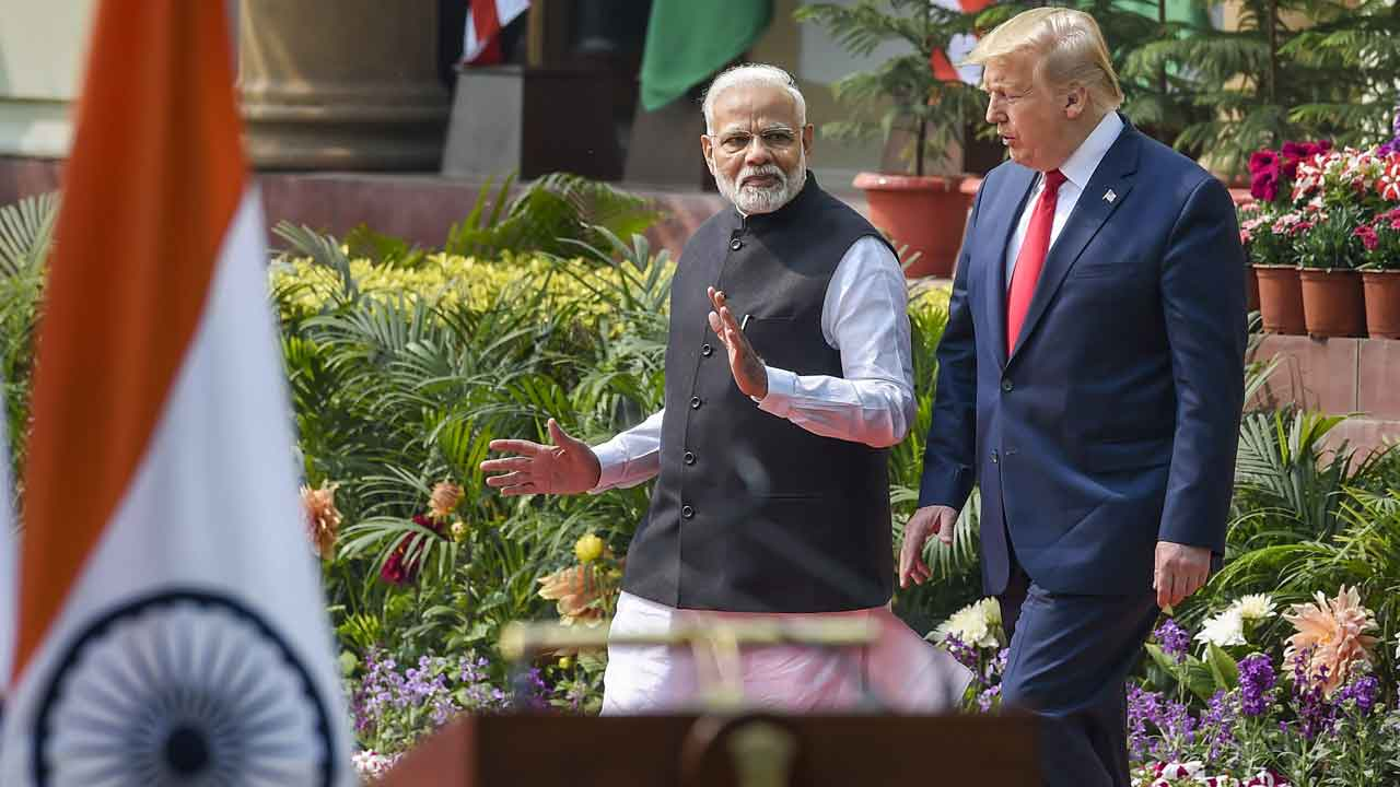 On Kashmir, Donald Trump is all talk: US president weaves web of words to keep India and Pakistan busy while playing keep away - Firstpost