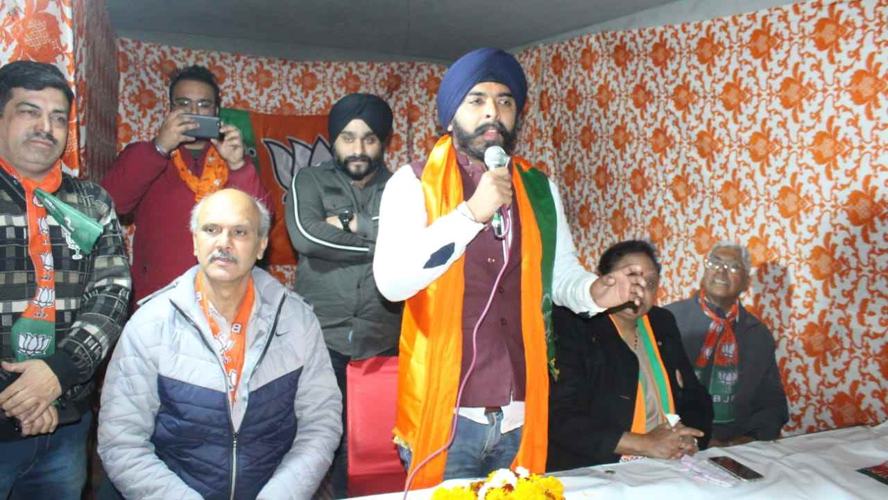 Congress files FIR against Tajinder Pal Singh Bagga over remarks against Rajiv Gandhi over 1984 riots; Sambit Patra says plaint will 'expose ex-PM'