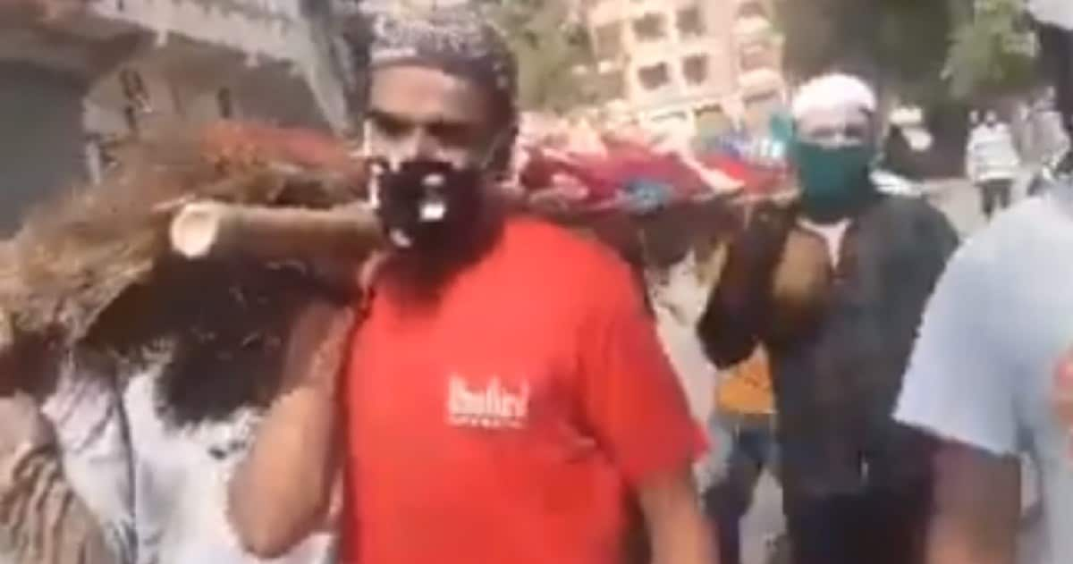 Muslim men help carry Hindu woman's bier in MP's Indore after relatives fail to attend funeral due to lockdown - Firstpost