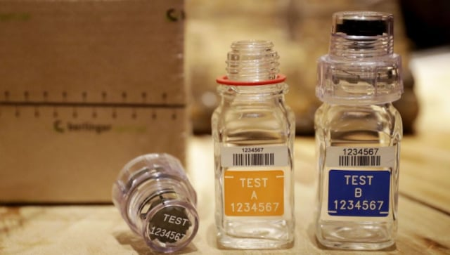Chinese researcher accused by US of smuggling vials admits to making false statements
