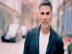 Akshay Kumar slams reports of flying sister and her family during lockdown, says 'contemplating legal action