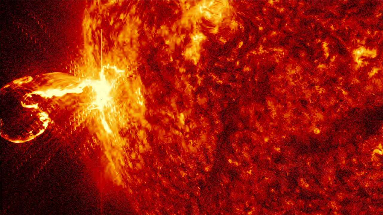 Massive sunspot is turning towards Earth this can result in major solar flares that can effect electrical systems- Technology News, Firstpost