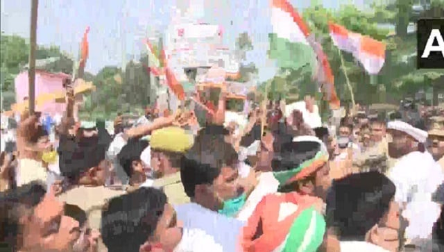 Protests against farm laws intensify, Opposition leaders detained in Delhi, UP, Gujarat; Congress MP moves SC against legislations - India News , Firstpost