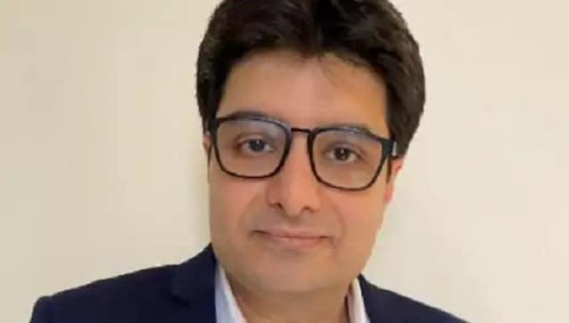 ارتباطات تاتا کبیر احمد شاکر را به عنوان مدیر مالی منصوب می کند تا در 21 اکتبر به عضویت وی در آید
