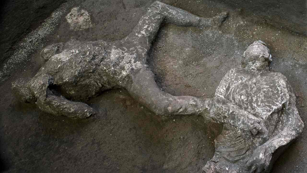 Archeologist uncover skeletal remains of two men escaping from Mount Vesuvius's eruption in Pompeii- Technology News, Gadgetclock