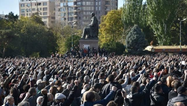 Nagorno-Karabakh peace deal: Anger mounts in Armenia as PM Nikol Pashinyan agrees to cede disputed land to Azerbaijan