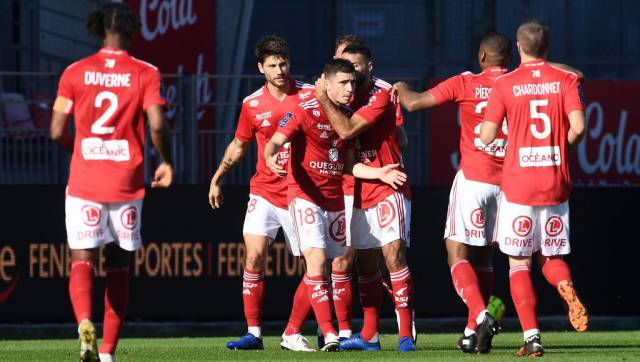 Ligue Lille Suffer First Defeat Of Season At Brest Lyon Grab Derby Bragging Rights Over St Etienne Sports News Firstpost