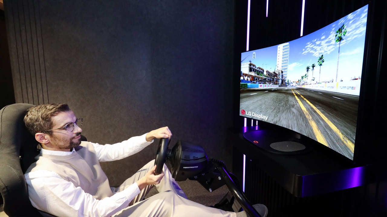 CES 2021: LG unveils 48-inch bendable CSO display for gaming, to be showcased at the event