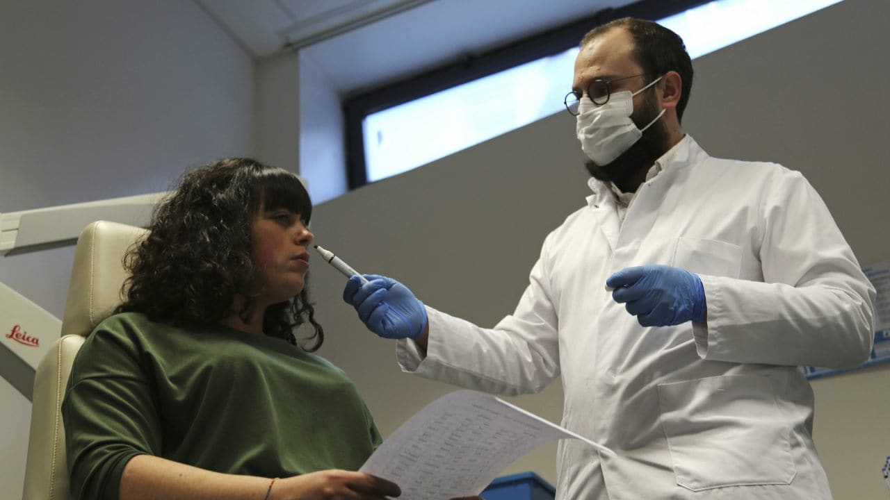 Doctors attempt to combat agony of post-COVID-19 loss of smell with 'olfactory rehab'