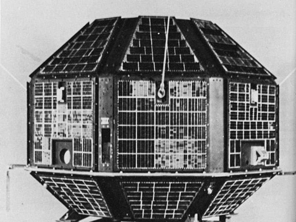 आर्यभट्ट अंतरिक्ष में लॉन्च करने वाला पहला भारतीय उपग्रह था।  चित्र साभार: ISRO
