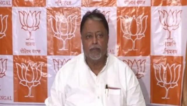 सुवेंदु अधिकारी ने पश्चिम बंगाल विधानसभा अध्यक्ष को याचिका दायर कर मुकुल रॉय को विधायक के रूप में अयोग्य घोषित करने की मांग की है