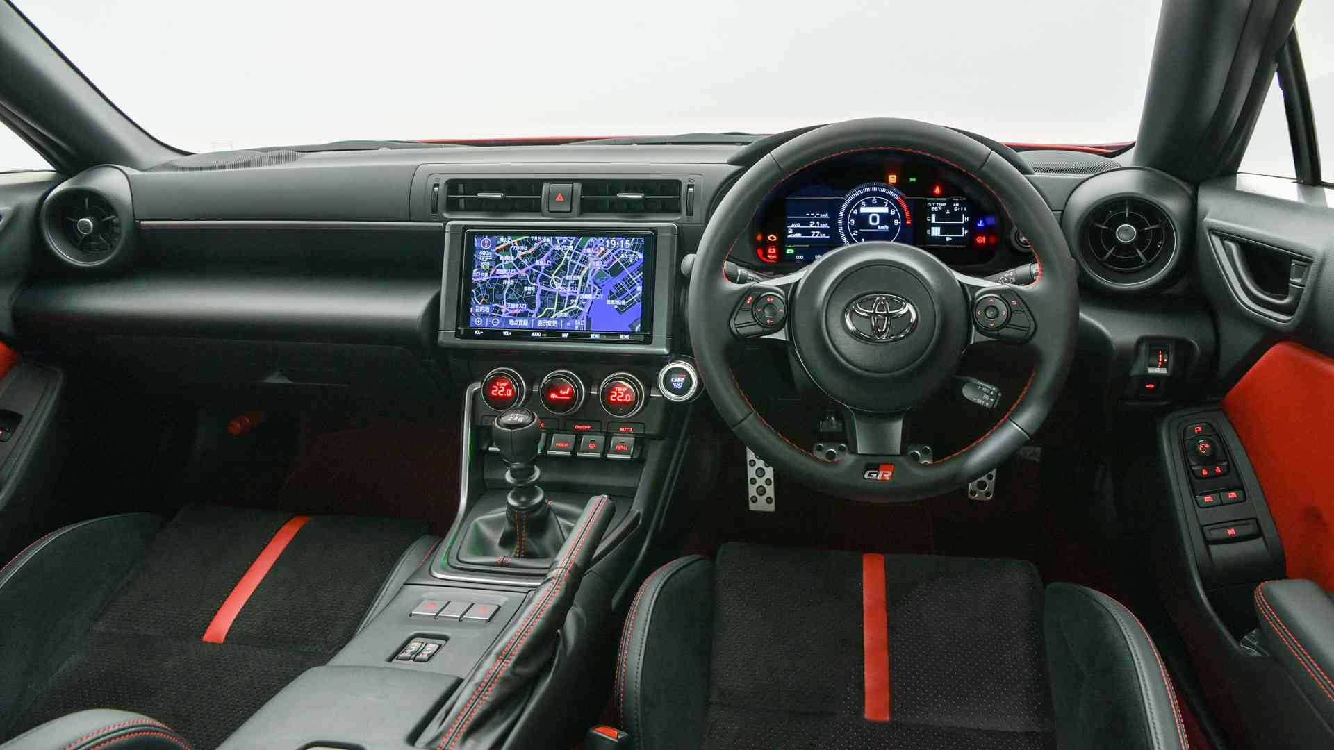 The Toyota GR 86 has a revised interior, and features a seven-inch touchscreen. Image: Toyota