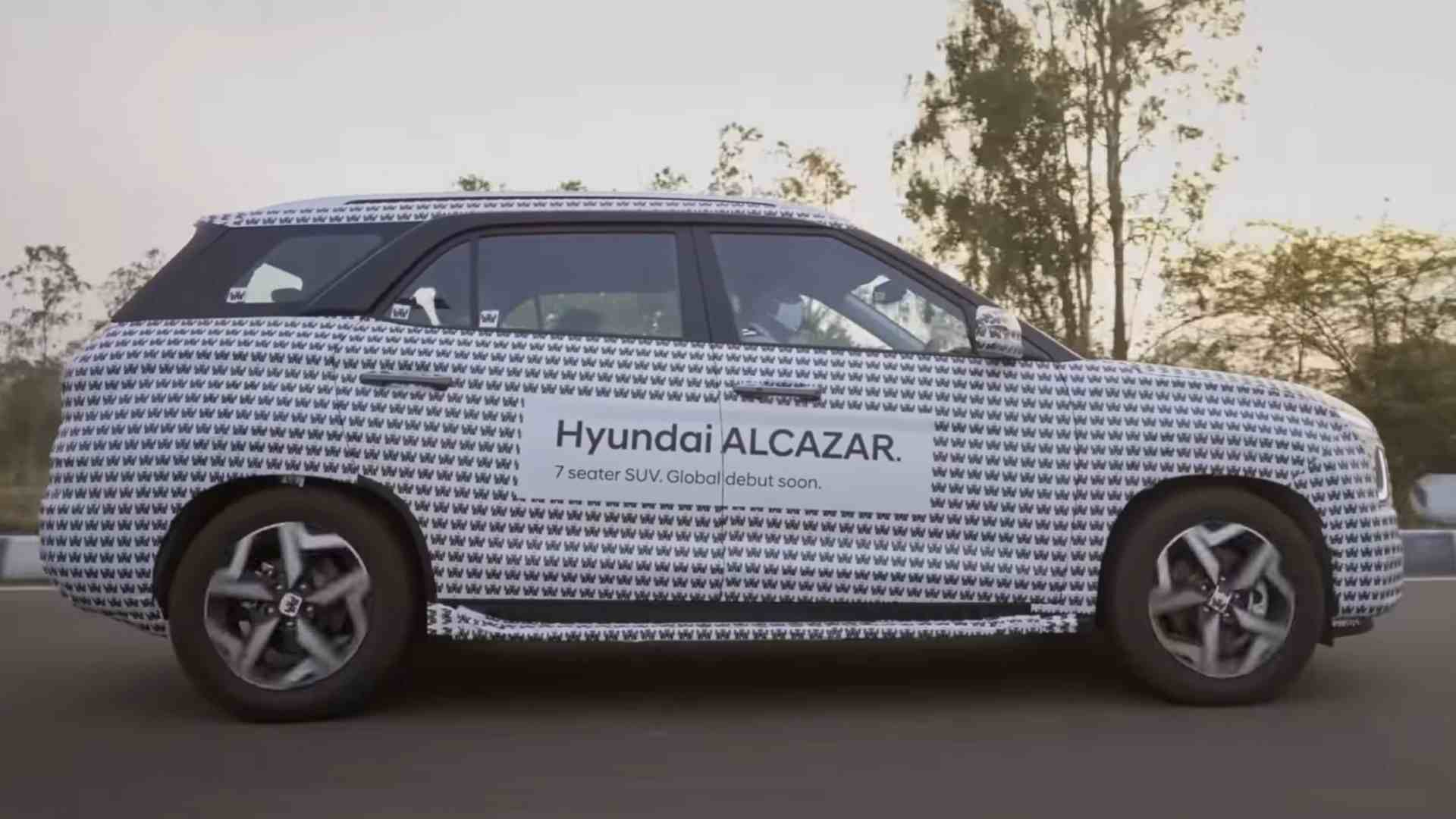 The increase in length with the Hyundai Alcazar necessitated by the addition of a third row of seats. Image: Hyundai