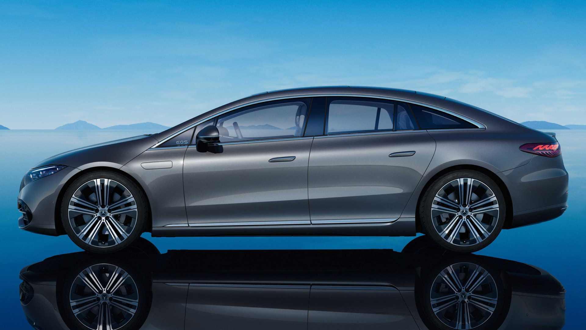 3,210 मिमी पर, मर्सिडीज-बेंज ईक्यूएस का व्हीलबेस लंबे-व्हीलबेस एस-क्लास के लगभग दर्पण है।  चित्र: मर्सिडीज-बेंज