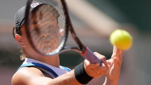 French Open 2021: Ashleigh Barty advances while Petra Kvitova pulls out due to injury; Andrey Rublevousted