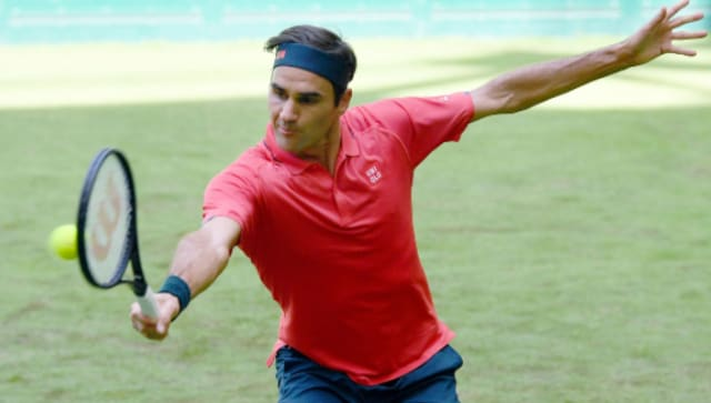 Halle Open: Roger Federer eases into Round 2 at grass-court event with straight sets win over qualifier Ilya Ivashka
