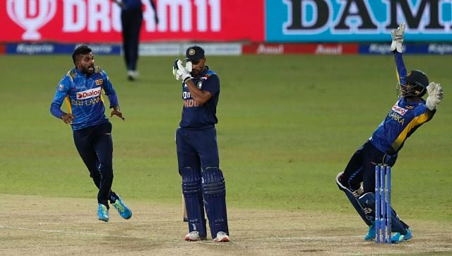 Prithvi Shaw came out early in the sleeves and from there India struggled to find partnerships.  Dhawan came out to Hasaranga (3 for 37), which was the bowlers' choice for Sri Lanka.  PA