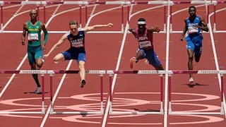 Norway's karsten warholm smashes own world record to claim gold medal in 400m hurdles. 0fuxi3hwroe9zm