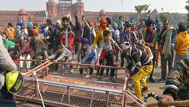 From teargas on Delhi border to clashes at Red Fort, how R-Day tractor rally devolved into chaos