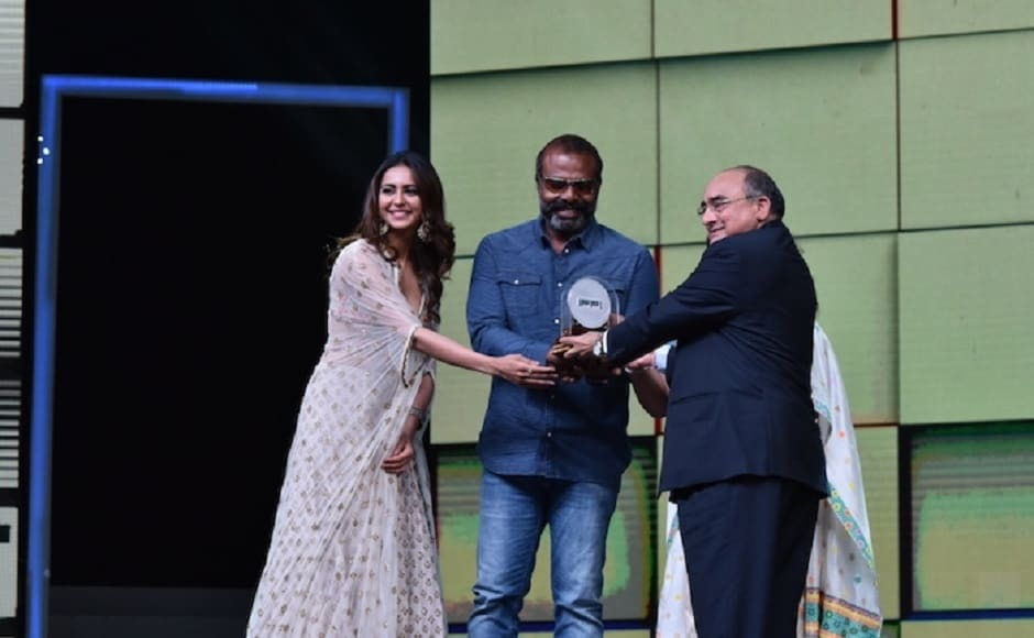 Chemban Vinod receives Silver Peacock award for Best Male Actor in <em>Ee Maa Yau</em>