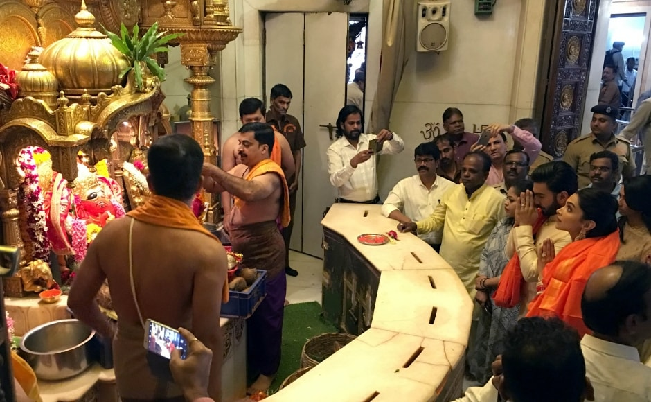 Ranveer Singh and Deepika Padukone perform the puja at Siddhivinayak Temple. Sachin Gokhale