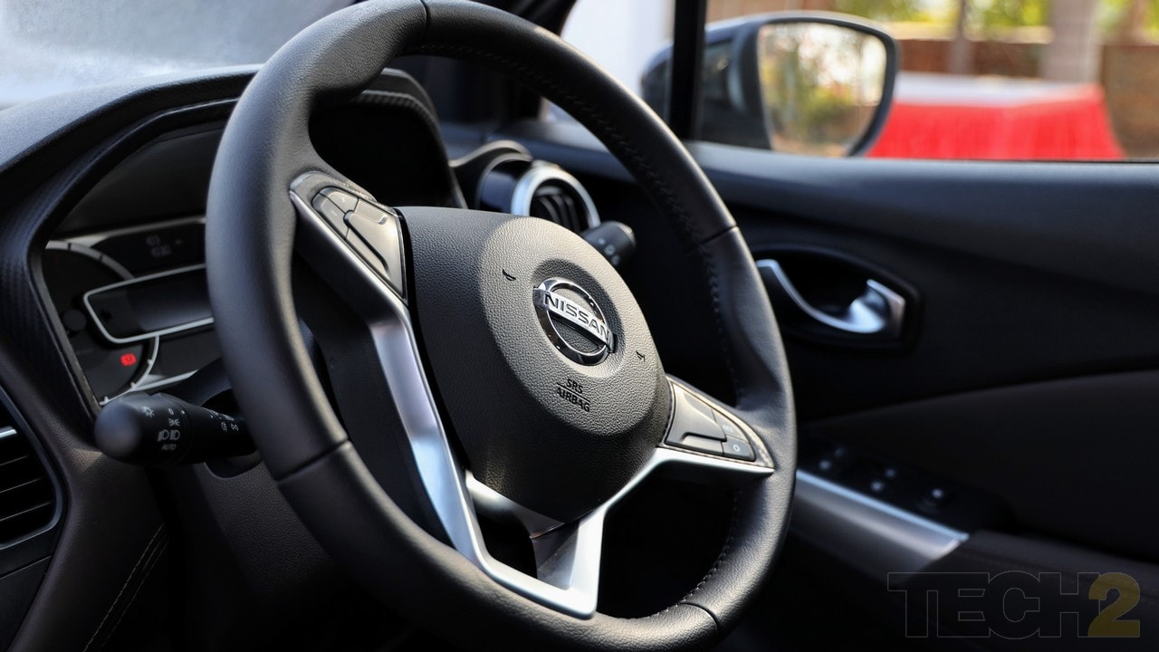 Nissan Kicks steering wheel too has leather upholstery and features mounted controls.
