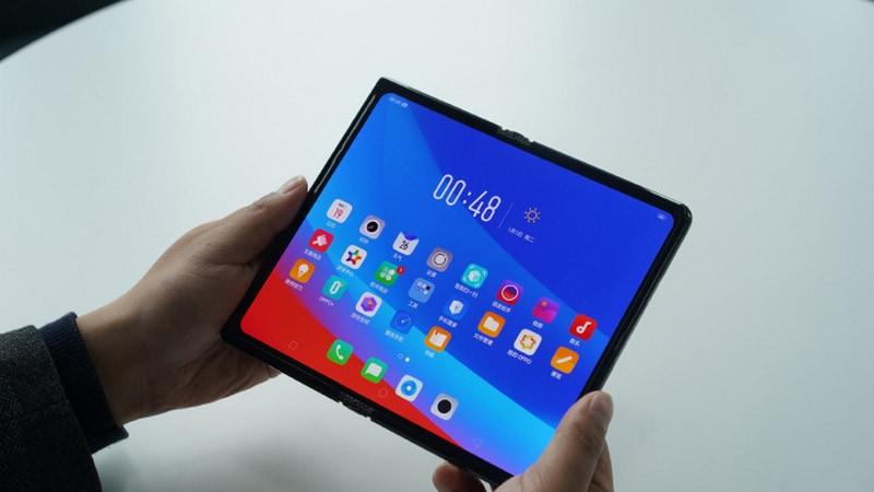 Oppo foldable phone. Weibo