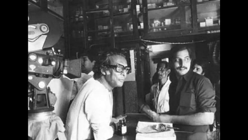 Mrinal Sen (left) on the sets of Calcutta 71.