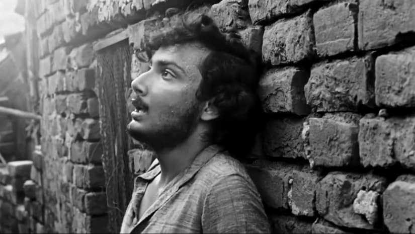 Final secen in Calcutta 71 shows the protagonist escaping through narrow Kolkata alleyways