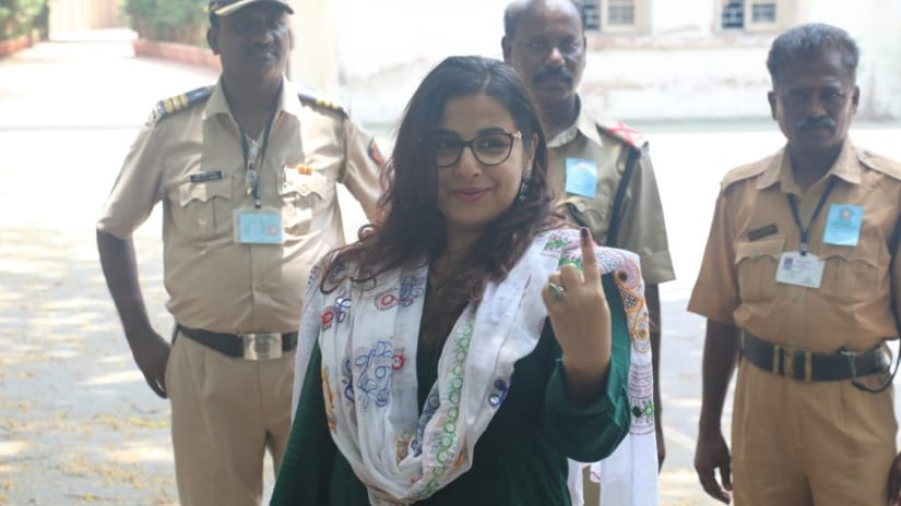 Vidya Balan casts her vote near Khar police station in Mumbai. Photo/ Sachin Gokhale