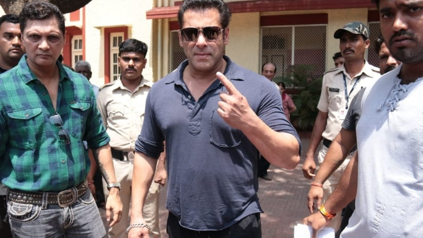 Salman Khan casts his vote. Photo/ Sachin Gokhale