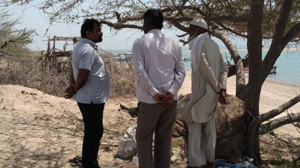 (L to R) Bharat Patel, Jam Ismael, Hussainbhai. Photo by Azera Parveen Rahman.