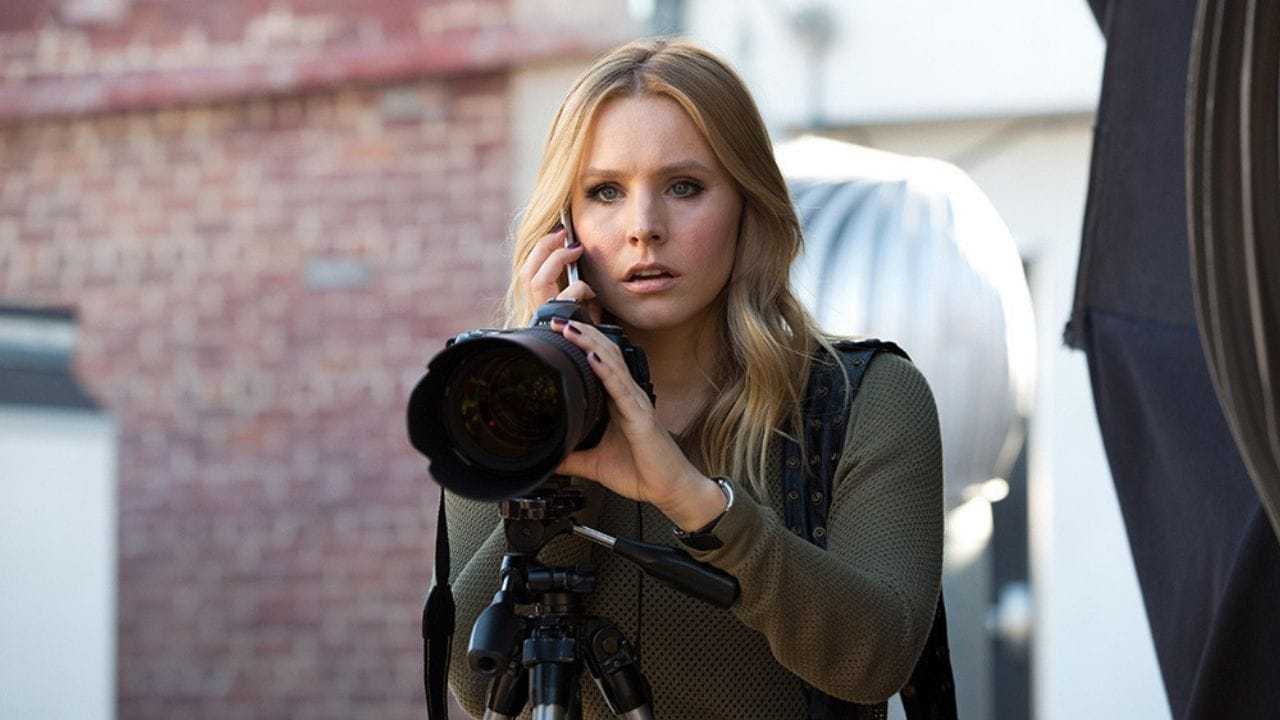Veronica Mars Season 4 trailer: Kristen Bells eponymous sleuth returns to take down a serial bomber