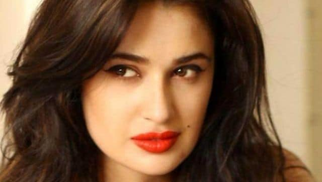 Yuvika Chaudhary apologises after getting called out for 'casteist slur' in viral video