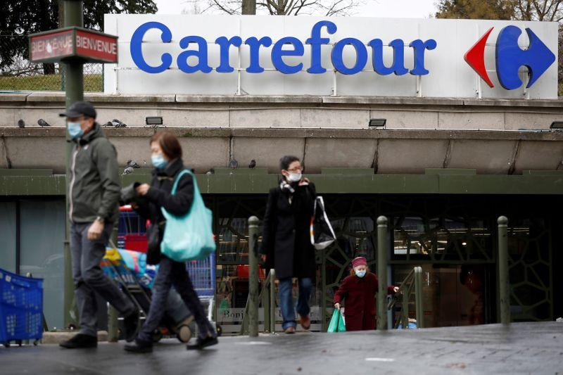 France bars Carrefour bid as Canadians scramble to salvage 20 billion deal