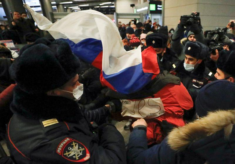 Russian police detain allies of Kremlin critic Navalny at Moscow airport
