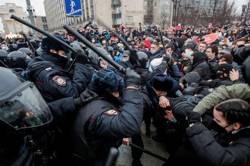 After mass arrests at protests Moscow jail space in short supply