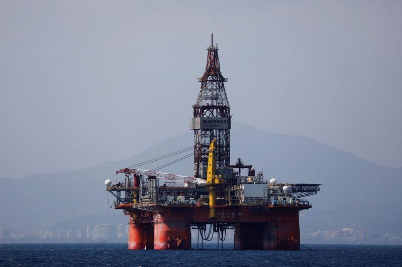 Tough oil sanctions on Venezuela aims to cut off Maduro, Mnuchin says
