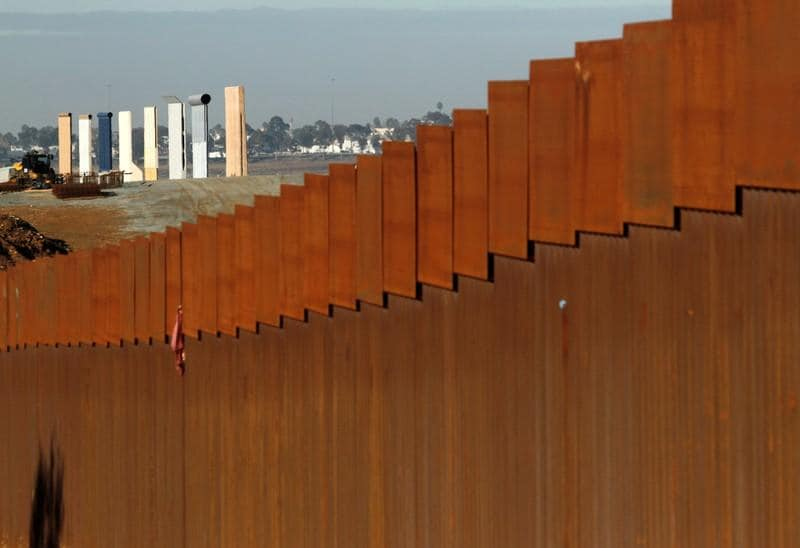 California tells Trump that lawsuit over border wall is imminent
