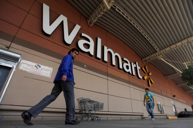 Walmart flexes in the fourth quarter, beats all expectations